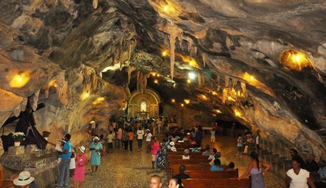 O santuário é constituído de grande bloco de calcário - Foto: Rita Barreto l Divulgação