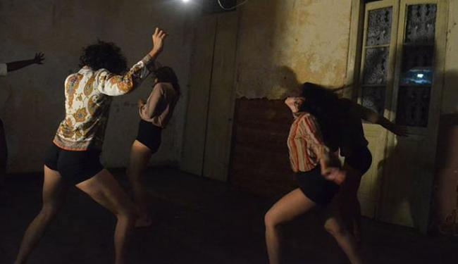 O espetáculo Há Violência no Silêncio? confronta agressão com banalização - Foto: Naiara Rezende   Divulgação