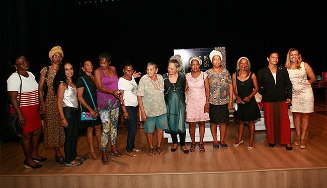 Costureiras e tecelãs que fazem parte da Coopertextil participaram do lançamento - Foto: Margarida Neide l Ag. A TARDE