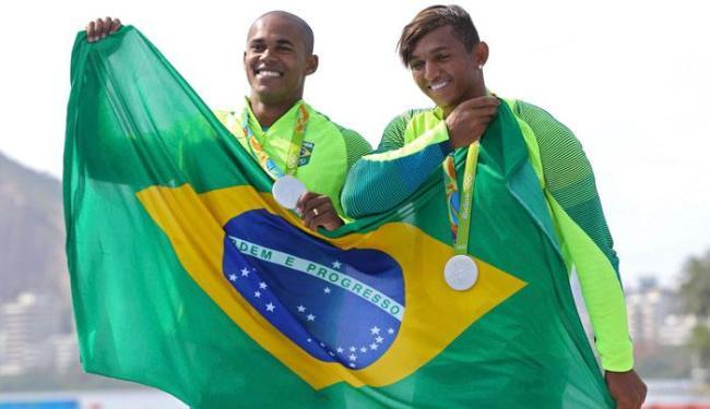Isaquias é o primeiro atleta da canoa a ganhar três medalhas numa mesma Olimpíada - Foto: Murad Sezer | Reuters