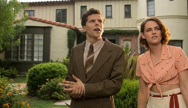 Jesse Eisenberg e Kirsten Stewart estreiam o longa de Woody Allen - Foto: Divulgação