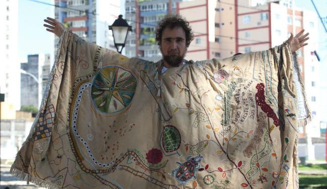 Quinze anos depois, João Miguel volta a incorporar o artista plástico Arthur Bispo do Rosário - Foto: Lúcio Távora  Ag. A TARDE