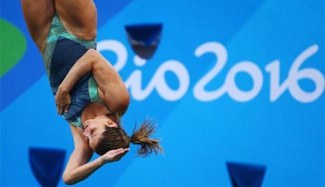 Atleta brasileira saltou quatro vezes e ficou na 27ª colocação, com 240.90 pontos - Foto: Michael Dalder l Reuters