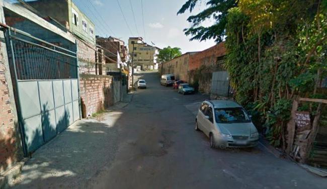 Crime aconteceu na rua Maria Amaral, no Lobato - Foto: Reprodução | Google Maps