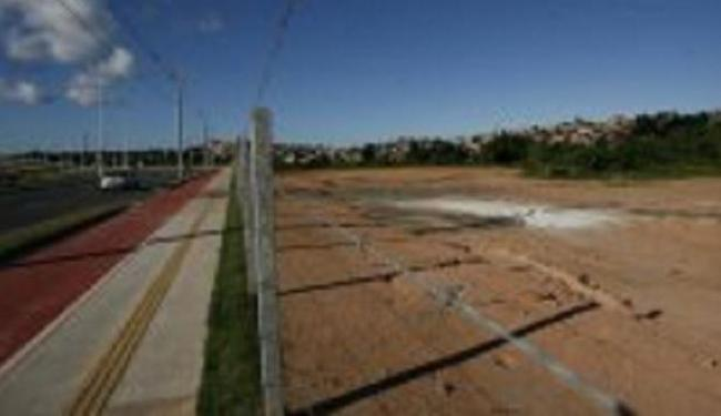 Av. Orlando Gomes: Salvador possui poucos terrenos disponíveis - Foto: Adilton Venegeroles l Ag. A TARDE