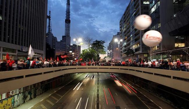 Manifestantes contra o impeachment se mobilizaram na avenida Paulista - Foto: Paulo Whitaker | Agência Reuters