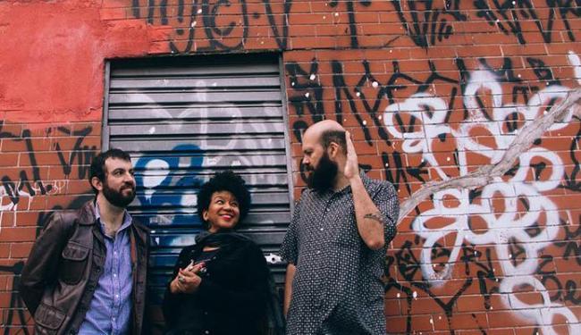 Trio formado por Kiko Dinucci, Juçara Marçal e Thiago França - Foto: Divulgação