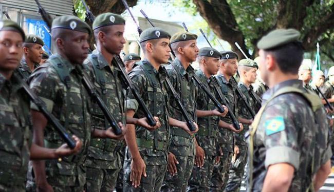 Cerca de mil homens do exército já estão em Natal para coibir crimes - Foto: Joá Souza l AG. A TARDE