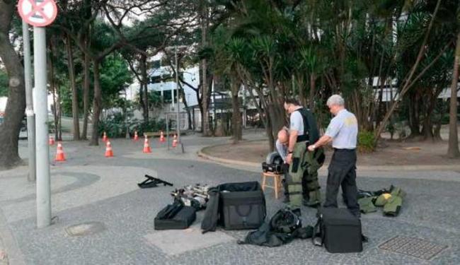 Especialistas da PF foram chamados e via foi bloqueada por fuzileiros da Marinha - Foto: Vladimir Platonow/Agência Brasil