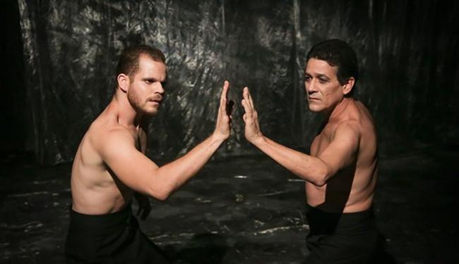 Danilo Cairo e Rui Manthur: Narciso em diferentes momentos - Foto: Andrea Magnoni | Divulgação
