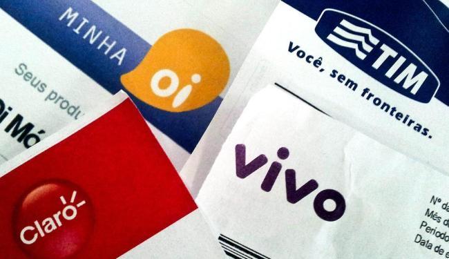 A estimativa da federação é de um corte de 10 mil trabalhadores nas operadoras desde 2015 - Foto: Caetano Barreira | Fotoarena | Folhapress | 20.07.2012
