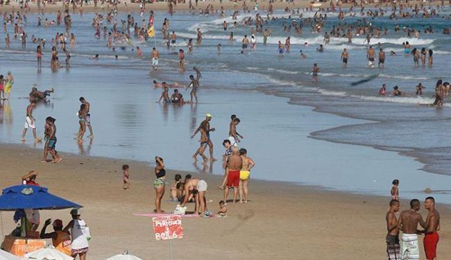 Praia de Patamares deve ser evitada - Foto: Adilton Venegeroles | Ag. A TARDE