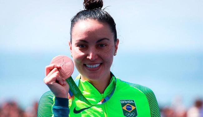Poliana Okimoto terminou em quarto, mas ficou com bronze por conta de eliminação de adversária - Foto: Reprodução   Twitter Brasil 2016