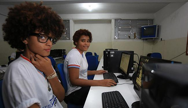 Laís, 19, e Silvania, 20, do Severino Vieira, participam da iniciativa - Foto: Joá Souza l Ag. A TARDE