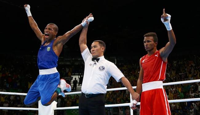 Baiano venceu cubano por 2 rounds a 1 - Foto: Peter Cziborra   Reuters