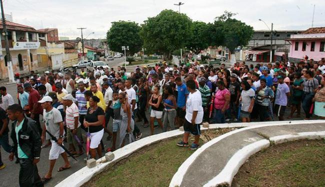 O adolescente Wilian foi enterrado na tarde desta segunda-feira - Foto: Margarida Neide   Ag. A TARDE