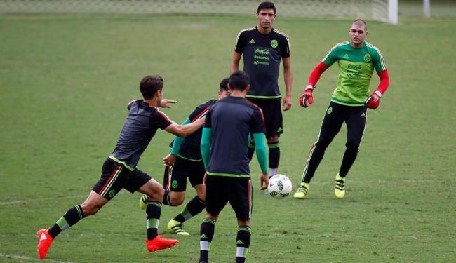 Seleção do México treinou na manhã desta terça-feira, 2, no Barradão - Foto: Raul Spinassé | Ag. A TARDE