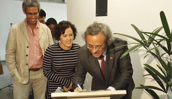 Reitor João Carlos Salles, diretora Suzana Barbosa e o professor Wilson Gomes na inauguração - Foto: Ascom-Ufba | Divulgação