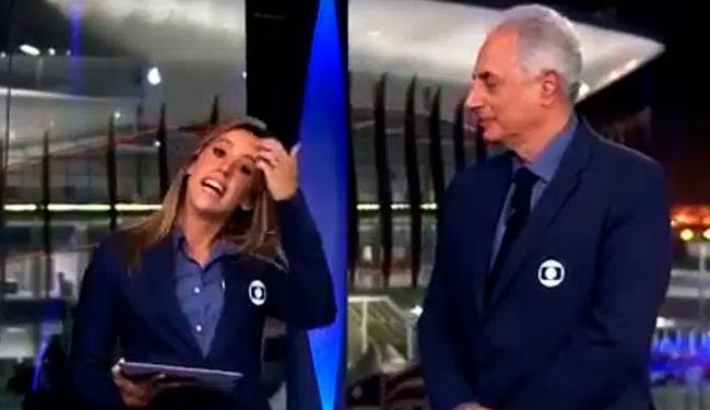 Jornalistas não se intimidaram com a transmissão ao vivo e conversaram de forma irônica - Foto: Reprodução