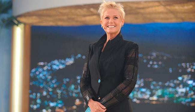 A apresentadora do Xou da Xuxa recebe uma carta de Joyce - Foto: Divulgação