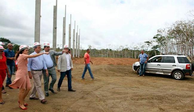 Governador Rui Costa visitou o canteiro de obras da Yasuna Motors - Foto: Pedro Moraes | GOVBA