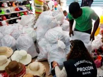 Os itens apreendidos estão sob a guarda dos representantes das marcas - Foto: Ascom Procon-BA | Divulgação
