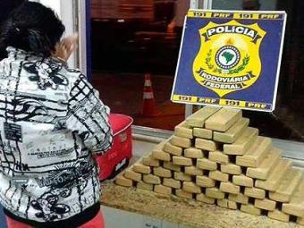 Mulher foi encaminhada para a delegacia de policia judiciária local - Foto: Divulgação | PRF-BA