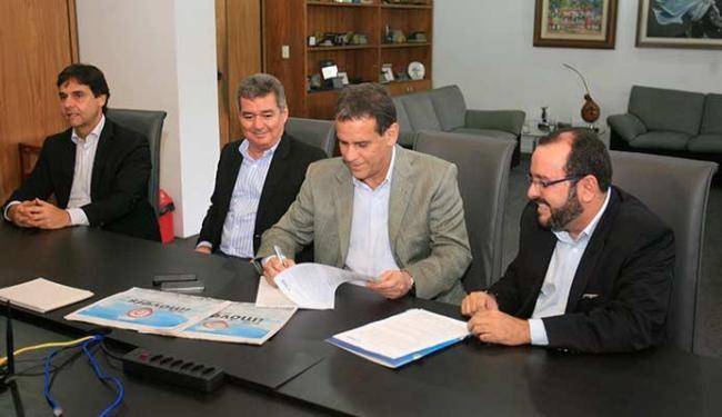 Dirigentes da Ademi firmaram convênio com A TARDE para publicação de coluna sobre o mercado imobiliá - Foto: Luciano da Matta | Ag. A TARDE