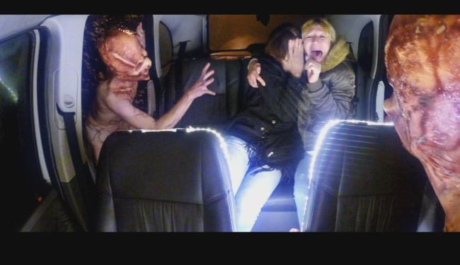 Os passageiros do táxi entraram em pânico - Foto: Divulgação   @sbtonline
