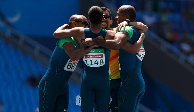 Quarteto brasileiro levou ouro no revezamento - Foto: Ricardo Moraes   Agência Reuters