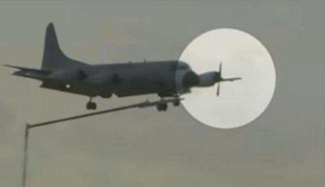 Uma das hélices do avião ficou parada durante voo após motor ser desligado - Foto: Reprodução   TV Record