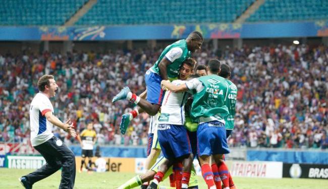 Jogadores comemoram o primeiro gol do Bahia - Foto: Margarida Neide | Ag. A TARDE