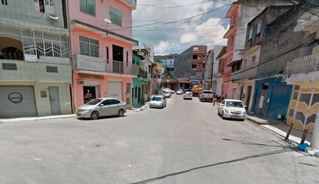 Crime aconteceu dentro da casa da vítima, que fica na rua 14 de Agosto, na localidade de Caroba - Foto: Reprodução | Google Maps