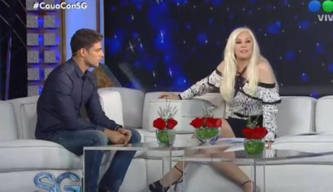 Cauã Reymond durante entrevista em programa na Argentina - Foto: Divulgação