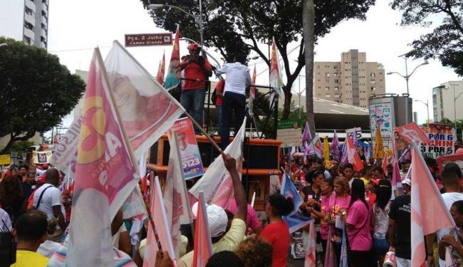 Manifestantes iniciam concentração no Campo Grande - Foto: Luan Santos   Ag. A TARDE