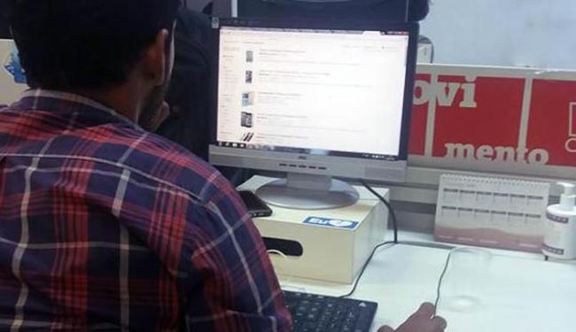 A pesquisa aponta que 70% deste público participam ativamente das compras pela internet - Foto: Jefferson Domingos | Ag. A TARDE