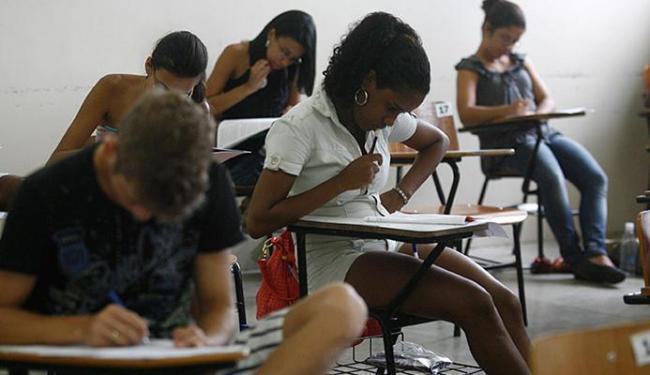 Oportunidades são para todos os níveis de escolaridade - Foto: Arestides Baptista l Ag A TARDE l 12.12.2011