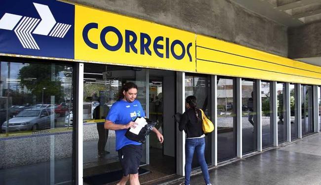 Ao todo, 25 dos 36 sindicatos dos trabalhadores dos Correios aprovaram a proposta - Foto: Lúcio Távora   Ag. A TARDE   Arquivo