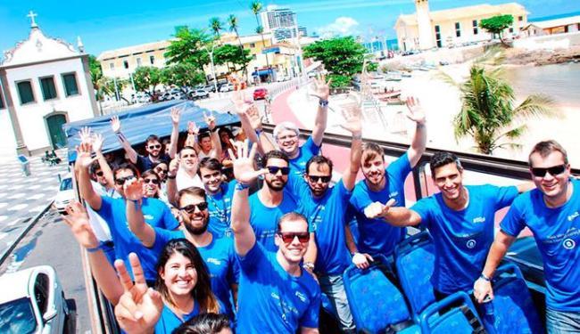 Grupo levou materiais informativos para os bares de Salvador - Foto: Saulo Brandão | Divulgação