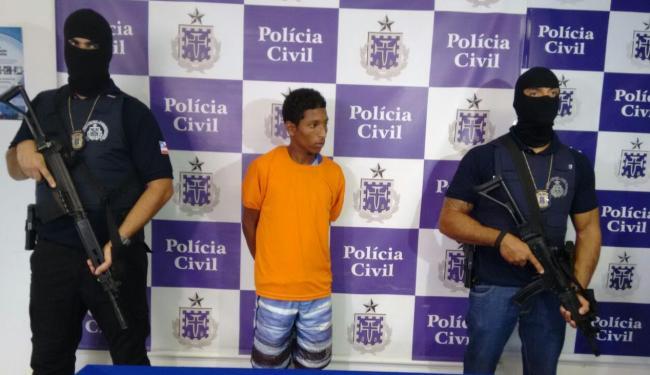 Segundo a polícia, Daniel Santos de Jesus, 21 anos, teria envolvimento no crime - Foto: Edilson Lima | Ag. A TARDE