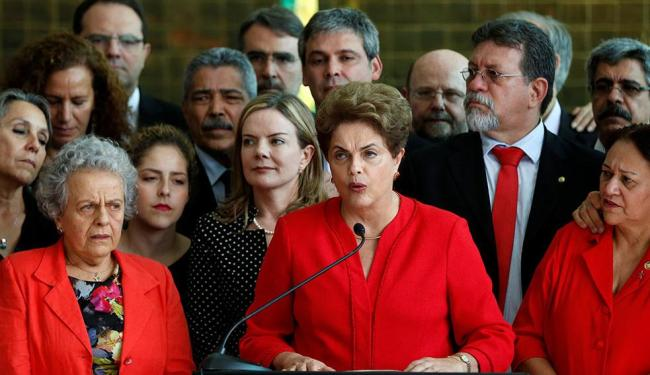 A ex-presidente pretende viajar pelo Brasil e participar de manifestações em defesa do plebiscito - Foto: Bruno Kelly | Reuters