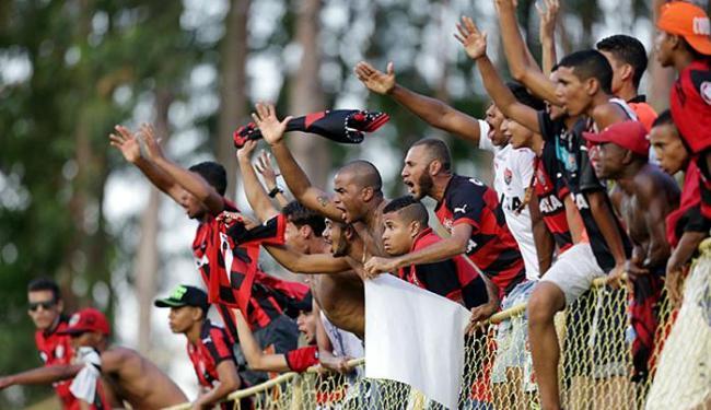 Pelo menos 25 mil pessoas devem ir neste sábado, 10, ao Barradão - Foto: Raul Spinassé l Ag. A TARDE
