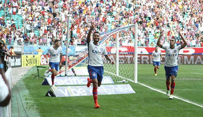 Zagueiro Jackson comemora gol que deu triunfo ao Bahia contra o Vasco - Foto: Adilton Venegeroles / Ag. A TARDE