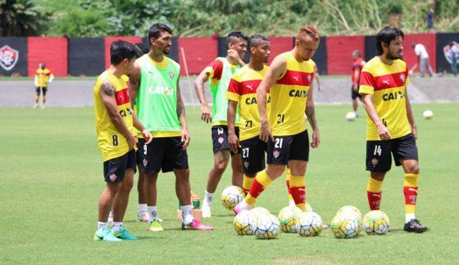 O elenco treinou a pontaria na manhã desta quinta-feira, 29 - Foto: Francisco Galvão   EC Vitória