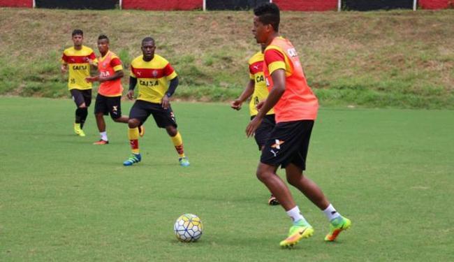 O elenco do Vitória treinou forte na manhã desta terça-feira, 27 - Foto: Francisco Galvão   EC Vitória
