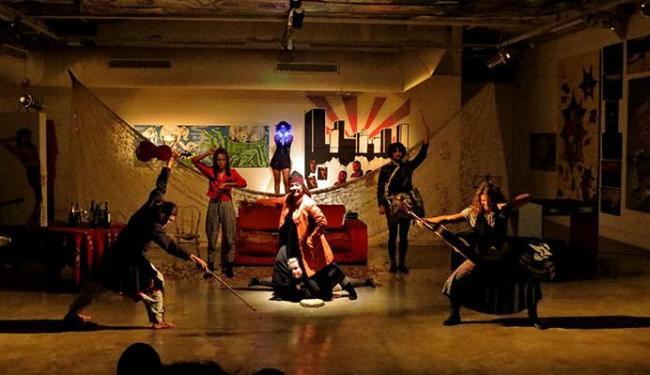 Os atores cantam, dançam e interpretam - Foto: Andre Deca | Divulgação