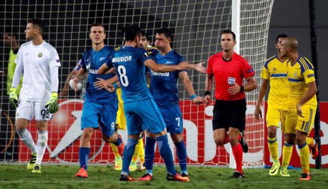 Giuliano comemorando o gol de empate do Zenit contra o Maccabi Tel Aviv - Foto: Baz Ratner | Reuters