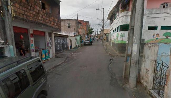 Dois homicídios aconteceram na rua Doutor Pedro Araújo, em Fazenda Grande do Retiro - Foto: Reprodução | Google Maps
