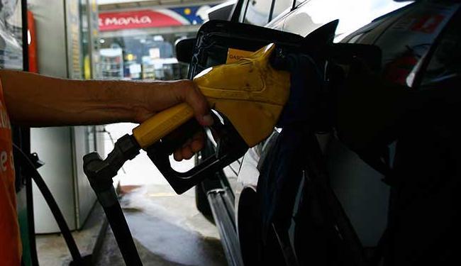 O segmento de coque, derivados do petróleo e biocombustíveis puxou o desempenho ruim do setor - Foto: Joa Souza | Ag. A TARDE