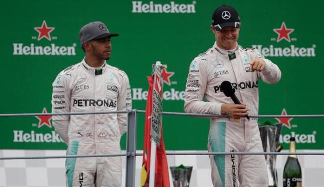 Nico venceu e está só a dois pontos de distância de Hamilton no campeonato - Foto: Max Rossi | Reuters